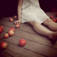 少女と林檎