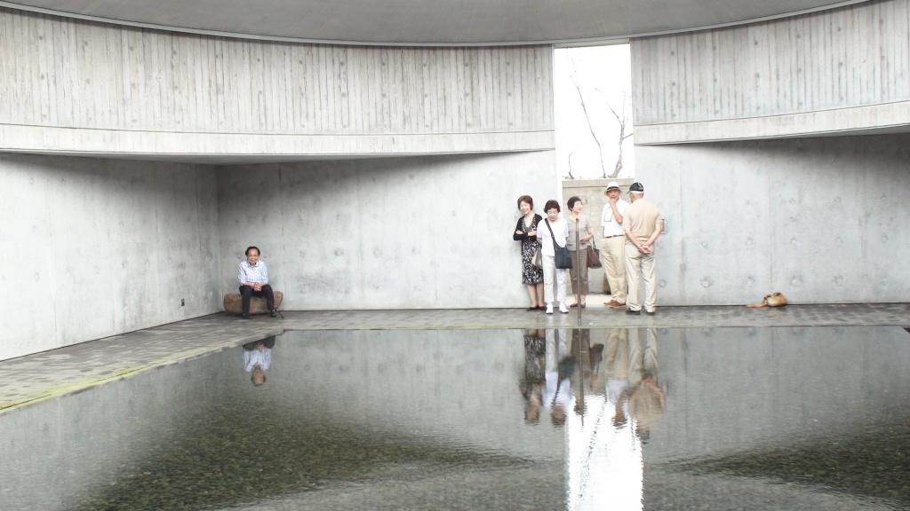 伊丹潤設計「水の美術館」 (済州島にて家族と)