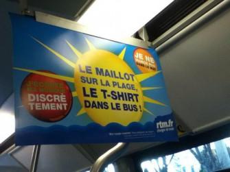 マルセイユ市内バス車内ポスター