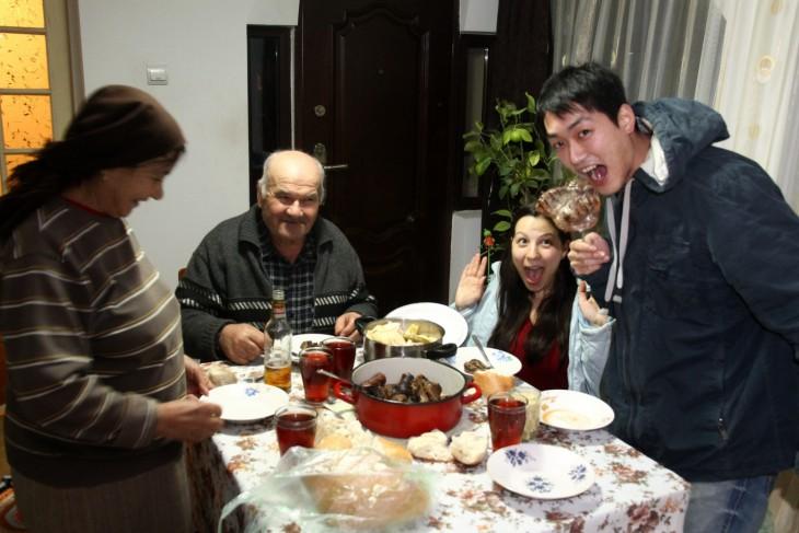 3 Cu familia