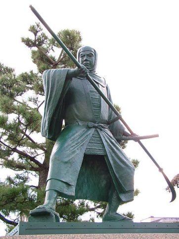 【武蔵坊弁慶(Wikipediaより)。弁慶の実在については様々な説がありますが、いくつかの伝説がまとめられて作り上げられた存在なのだと思います。】