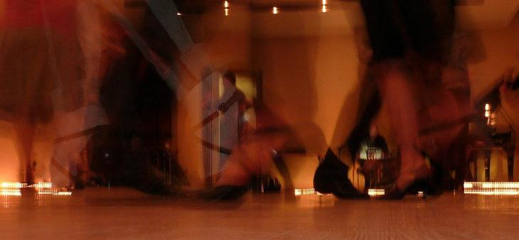 dance-378219_1920