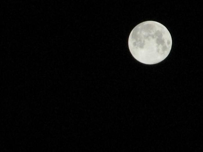 2つの月の世界