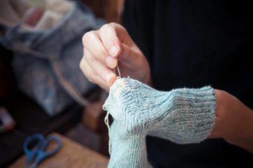お直しカフェ-お直しをする人の溜り場をつくる試み (3)靴下