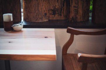 お直しカフェ (2) 机を磨いて仕上げ直した話