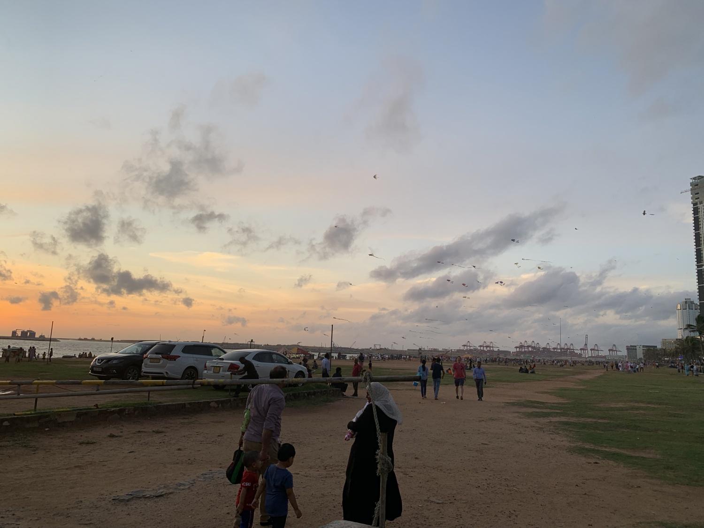 2019年9月7日(土)スリランカの海と夕陽と、ビビビなことと。