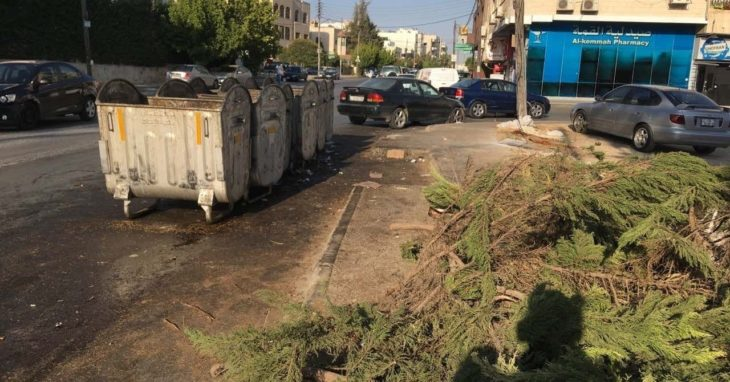 ヨルダンでのゴミの回収「ゴミ箱が先かゴミ収集車が先か」